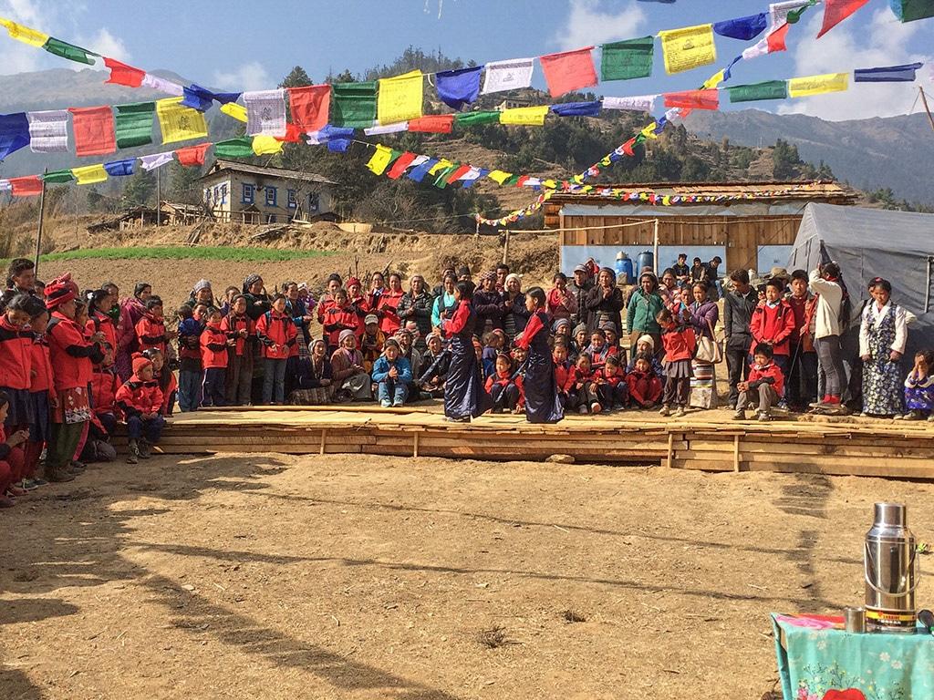 Bücherspende für Schule in Nepal